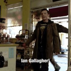 Ah, true love Shameless Tv Show, Holy Diver, Mickey And Ian, Carl Gallagher, Find Real Love, Noel Fisher, Cameron Monaghan, Cute Gay, Music Tv