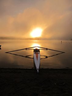 there's something so beautiful about this picture #rowing