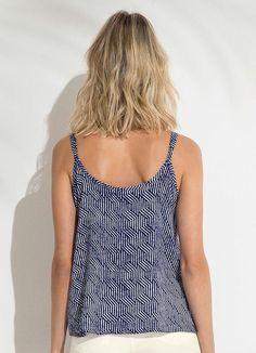 Gostei deste produto do Portal Posthaus! Blusa com Alças Detalhe Decote Lunender