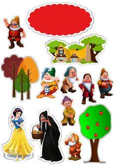 Clique na imagem e visite nosso site, lá você encontrará essa e outras imagens em alta qualidade. Disney Cake Toppers, Birthday Cake Toppers, Edible Cake Toppers, Fairy Tale Theme, Fairy Tales, Snow White Characters, Disney Characters, Fictional Characters, Snow White Cake