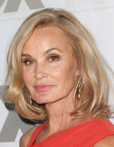 The Best Hairstyles for Women Over 50: A Shoulder-length Cut is Gorgeous on a Blonde Jessica Lange