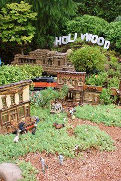 Best Garden Railway EVER (2) | Flickr - Photo Sharing! Miniature Gardens, Amazing Gardens, Sony, Mermaid, Fairy, House Styles, Beauty, Home Decor, Decoration Home