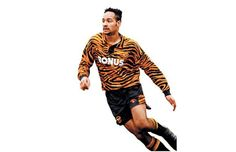 45. 1994 Hull City Home - The 50 Best Soccer Kits of All Time | Complex UK