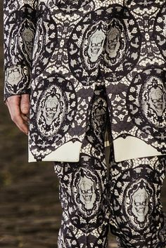 Alexander McQueen menswear s/s 2014