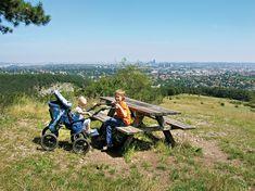 Ein Rastplatz mit Blick über Wien. Baby Strollers, Children, Pagan, Alps, Hiking, Baby Prams, Young Children, Boys, Kids