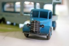 I want a big version of this lil truck :)