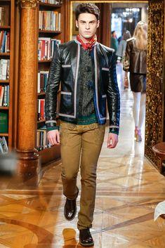 Chanel Pre-Fall 2015 Fashion Show
