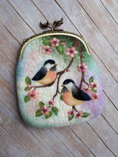 Handmade felted wallet (purse) with bird, Wool pouch, wool wallet, felted pouch, coin purse with bird - Adnan Beg Felt Pouch, Felt Purse, Coin Purse, Needle Felted, Wet Felting, Felt Gifts, Felt Pictures, Felted Wool Crafts, Wool Art