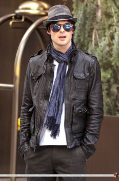 I LOVE this outfit... and him.