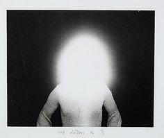 beholders-eye:  vivipiuomeno:  Urs Lüthi - Light sculpture, Photographie, 1972  obscure light