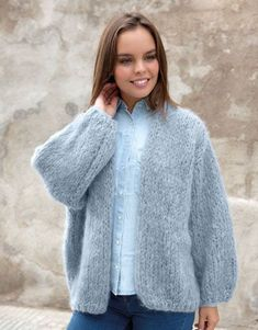 Katia Patroon Oversized vest Bernadette Stijl in Katia Ingenua Cardigan Oversize, Kiro By Kim, Cardigans For Women, Jackets For Women, Pull Mohair, Make Your Own Clothes, Mohair Sweater, Cardigan Pattern, Knitting Designs