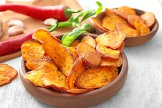 Sweet potatoes have quickly risen through the ranks of the superfood world. Paleo-friendly and versatile, we just can't get enough of this popular tuber! Veggie Dishes, Side Dishes, Snack Recipes, Healthy Recipes, Snacks, Cooking Sweet Potatoes, Antipasto, Superfood, Street Food