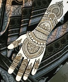 """53 Likes, 1 Comments - Henna Mystic⭐️ (@melissaaddams) on Instagram: """"Playing with my hands #mehndi #hennatattoo #henna #mehndidesign #hennadesign #hennaart…"""""""