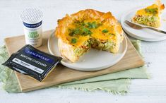 Be inspired by LANCEWOOD's deliciously simple selection of irresistible recipes, fit for any meal or occasion. Ham Quiche, Banting, Spanakopita, Kos, Cheddar, Paleo Recipes, Sour Cream, Broccoli, Breads