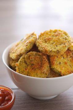 Almond Crusted Baked Zucchini Crisps | The Iron You #paleo #glutenfree