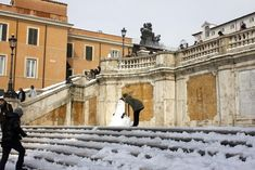 The above is a rare picture of the Spanish Steps Rome Italy with snow, from when we had a bizarre snowfall in Rome in January/February 2012. Rome Attractions, Tourist Trap, Rare Pictures, Best Places To Eat, Rome Italy, Vatican, Where To Go, The Good Place, The Neighbourhood