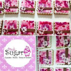 Galletas decoradas con fondant, pink Sugar #pinksugar #cupcakes  #barranquilla #pasteleria #reposteriacreativa #tortas #fondant #reposteriabarranquilla #happybirthday  #vainilla  #cake #baking  #galletas #cookies  #pinksugar #wedding