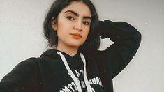 Cigarette Girl, Fake Girls, Hijabi Girl, Cute Girl Photo, Cute Love Songs, Girls Dpz, Girl Photos, Bff, Girly