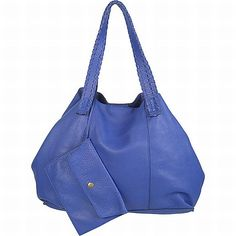 A brilliant sized bright blue Bata handbag, perfect for taking to work. Comes with a matching purse! #batashoes #bataaccessories #batabags
