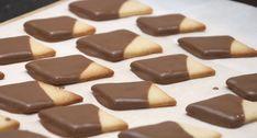 Pludrehanne: Hjemmelaget kvikklunsj Cereal, Candy, Cookies, Chocolate, Baking, Breakfast, Desserts, Food, Crack Crackers