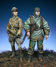 SS grenadier and officer in the Ardennes. 1/35 scale resin figures from Mantis Miniatures. Click on the picture to get yours!