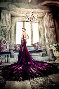 【NO.9婚紗-St.Paul's奢華晶鑽美背暗蘭紫禮服】  超熱門的美背款禮服,  到底要怎麼選才能獨一無二又性感呢? NO.9獨家代理的St.Paul's品牌禮服,  特別為第九大道新娘設計了一款美背性感的暗蘭紫禮服唷!   奢華晶鑽的點綴 結合美背魚尾的修飾曲線  優雅線條的美背性感,  讓新娘子不但散發著高貴古典的 誘人氣息♡♡ 還能展現眾不同的迷人完美~~~  想盡快體驗獨家代理的St.Paul's奢華美背暗蘭紫禮服嗎? 請點選以下網址填寫預約單唷! http://no9-wedding.com/%E5%A1%AB%E5%AF%AB%E9%A0%90%E7%B4%8…/  了解更多獨一無二的St.Paul's婚紗禮服: http://no9-wedding.com/blog/  Instagram搜尋:no9wedding第九大道 →(每週有不同的婚禮主題哦!) NO.9 痞客邦上線囉!  歡迎點選參考: http://no9wedding.pixnet.net/blog