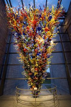 Beautiful blown glass by Dale Chihuly.                    ~Love It~