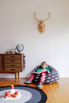 Very comfy for the kids! Cross knitted jacquard bean bag