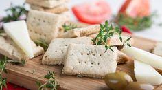 Κρακεράκια βρώμης με θυμάρι   alevri.com Bread Art, Feta, Dairy, Healthy Recipes, Cheese, Cooking, Kitchen, Healthy Eating Recipes, Healthy Food Recipes