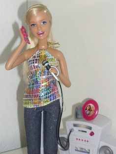 Chat Divas Barbie by What doesnt Kill you makes you Stronger, via Flickr