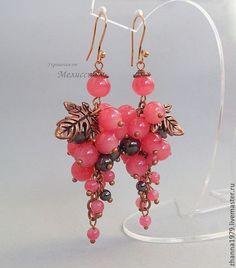 """Купить Серьги """"Ягодки"""" - брусничный, розовый, темно-серый, серьги, серьги с камнями, серьги грозди Resin Jewelry, Turquoise Jewelry, Jewelry Crafts, Gemstone Jewelry, Beaded Jewelry, Handmade Statement Necklace, Earrings Handmade, Handmade Jewelry, Beaded Brooch"""