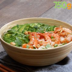Salad of rice vermicelli, shrimp and avocado- Salade de vermicelles de riz, crevettes et avocat Salad of rice vermicelli, shrimp and avocado – - Tasty Videos, Food Videos, Cooking Videos Tasty, Asian Recipes, Healthy Recipes, Simple Recipes, Healthy Soup, Soup Recipes, Cooking Recipes
