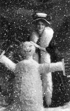 Vintage Christmas (1910) - Edwardian actress Lily Elise