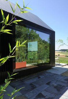 Designed by Format Elf Architekten, Longhouses (Langhäuser) are 3 holiday cottages for a stay on Hafnerleiten farm in Bad Birnbach, Lower Bavaria, Germany. Cottage Design, House Design, Little Houses, Tiny Houses, Premium Wordpress Themes, Elf, Building, Holiday, Plants