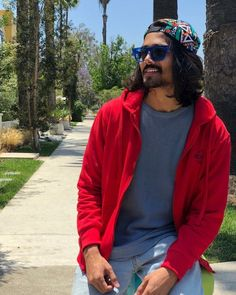 Ashish Vs Bhuvan, who has a better fashion quotient, check to know. Bollywood Actors, Bollywood Celebrities, Bb Ki Vines, Youtube Sensation, Famous Youtubers, Dressing Sense, Fashion Outfits, Men's Outfits, Cool Style