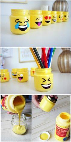 DIY Superb Beautiful Emoji Mason Jars - DIY Mason Jar Crafts and Gift Ideas - DIY & Crafts (christmas mason jars shops) Pot Mason Diy, Mason Jar Crafts, Diy And Crafts Sewing, Diy Crafts For Kids, Baby Crafts, Rangement Art, Craft Tutorials, Diy Projects, Emoji