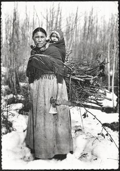 Native American Pictures, Native American Tribes, American Spirit, American Pride, First Nations, Old Pictures, Historical Photos, Marie, Grand Bazaar