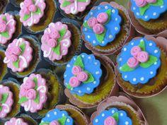 Caketutes Cake Designer: Cupcake mini rosa - Rose cupcake