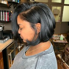 Loving this AMAZING big chop and style transformation by 😍✂️ Messy Bob Hairstyles, Summer Hairstyles, Pretty Hairstyles, Hairstyle Ideas, Dreadlock Hairstyles, Updo Hairstyle, Black Hairstyles, Natural Hairstyles, Hair Ideas