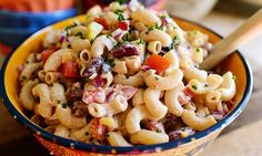 Mexican Macaroni Salad by Ree Drummond, the Pioneer Woman Cooks. Looks like a salad that the boys will like. Mexican Macaroni Salad, Mexican Pasta, Taco Macaroni, Mexican Salads, Mexican Meals, Penne, Pasta Mexicana, Feta, Salad Sauce