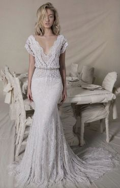 White wedding dress. Brides dream of having the perfect wedding, however for this they require the ideal wedding dress, with the bridesmaid's outfits actually complimenting the wedding brides dress. Here are a few ideas on wedding dresses.