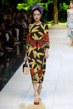 Dolce & Gabbana | Ready-to-Wear Spring 2017 | Look 90
