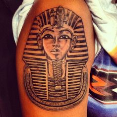 What does king tut tattoo mean? We have king tut tattoo ideas, designs, symbolism and we explain the meaning behind the tattoo. Best 3d Tattoos, God Tattoos, King Tattoos, Latest Tattoos, Unique Tattoos, Tatoos, King Tut Tattoo, Tattoos Lindas, African Tattoo