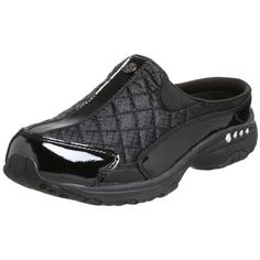"""""""Easy Spirit Shoes for Women with Sore Feet"""" - The best shoes for comfort and style. They dramatically reduced my painful Plantar Fasciitis. Women's Mules & Clogs, Clogs Shoes, Sneakers Mode, Sneakers Fashion, Flats With Arch Support, Easy Spirit Shoes, Sore Feet, Black Platform, Women's Pumps"""