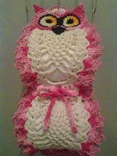 How to take the stitches off the hook for Crotat (Crochet Tatting) // karmena Owl Crochet Patterns, Crochet Owls, Crochet Gifts, Diy Crochet, Crochet Doilies, Crochet Baby, Knitting Patterns, Filet Crochet, Crochet Stitches