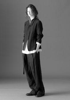 Forme d'Expression, S/S Black White Fashion, Dark Fashion, Fashion Beauty, Womens Fashion, Look Street Style, Holy Chic, Fashion Poses, Basic Style, Elegant Outfit