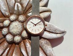 Feminines Design, ein weiches Lederarmband und ein zeitloser Look zeichnet diese Skagen Signature Damenuhr aus. Diese und viele weitere Armbanduhren von Skagen findet Ihr bei uns im Shop:   https://www.uhrcenter.de/uhren/skagen_denmark/  #Skagen #uhrcenter #Uhr #watch #Fashion #Accessoire #Style #Sommer #feminin #like #modern #Lifestyle #picoftheday #tipoftheday #Damenuhr #photooftheday #Geschenkidee #wow #Kultmarke #elegant #zeitlos #Armbanduhr