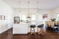 Excellent Home decor tips are offered on our web pages. look at this and you wont be sorry you did. Decor, Cute Dorm Rooms, Farm House Living Room, Living Room Designs, Room Transformation, Home Decor, Cool Rooms, Room Decor, Farmhouse Side Table