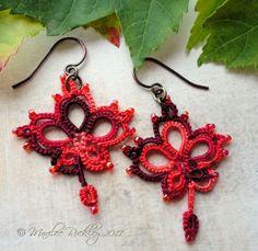 Yarnplayer's Tatting Blog: The maple leaf pattern is done!