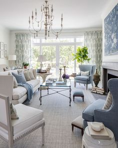 We sat down with interior designer Kate Singer to talk about her living room in the Traditional Home Hamptons Showhouse, in a color palette of blue, white, and flax.